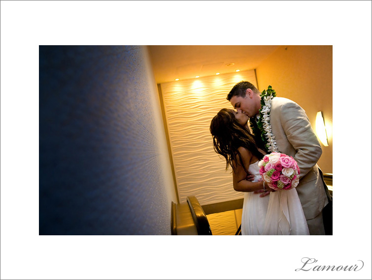 Oahu Wedding Photographers L'amour based in Hawaii and available worldwide