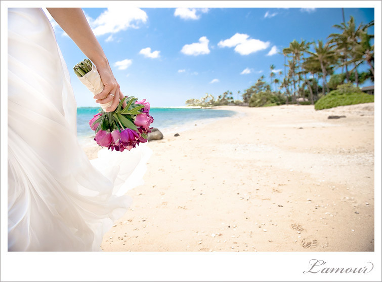 Hawaii Wedding Photography of a destination beach wedding photography at Waialae Beach on Oahu Hawaii