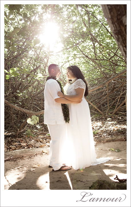Hawaii Wedding Photography at Molii Gardens and Secret Island on Oahu