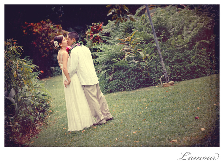 Hawaii Wedding Photographers L'Amour Vintage Wedding fashion