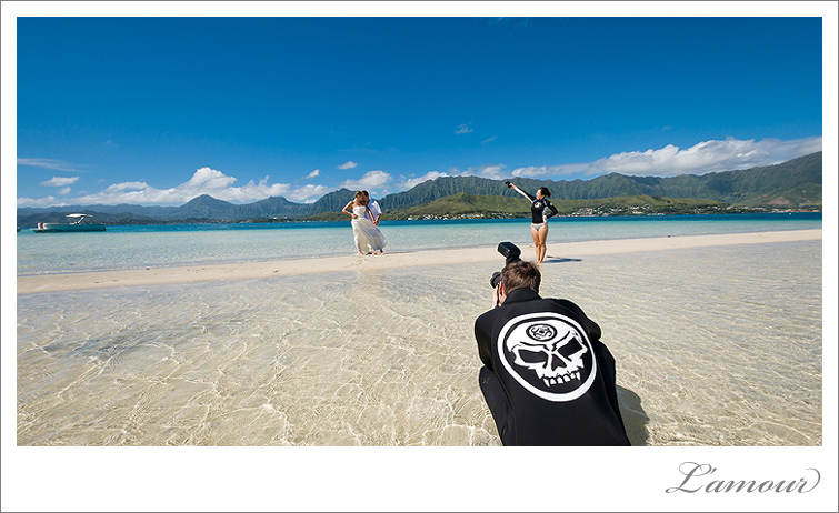 Trash the Dress photos behind the scenes with L'Amour Photography in Hawaii