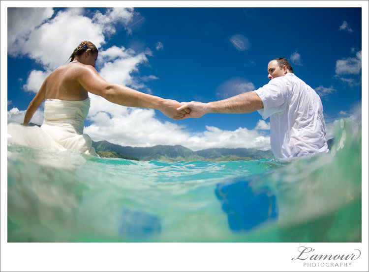 Underwater Trash the Dress Photos by L'Amour Photography in Hawaii