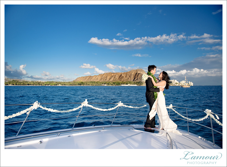 Honolulu Wedding Photography by Lamour in Hawaii