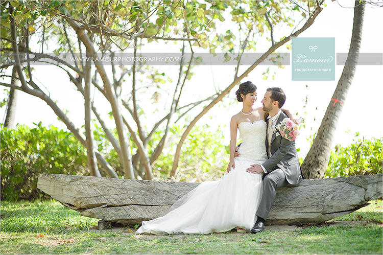 Oahu beach wedding in Hawaii