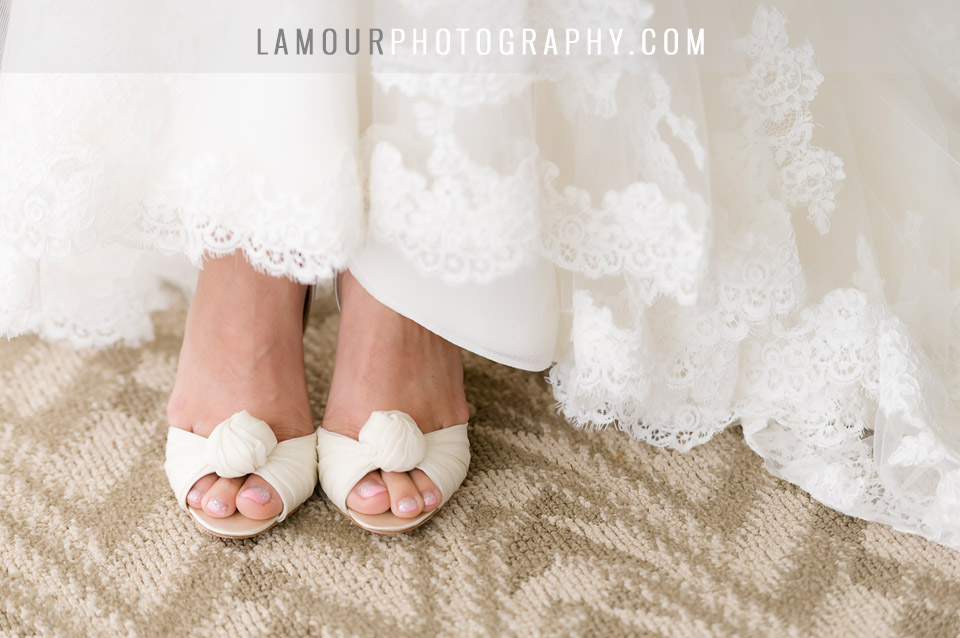 Wedding details in photography at Hawaii destination wedding in Waikiki