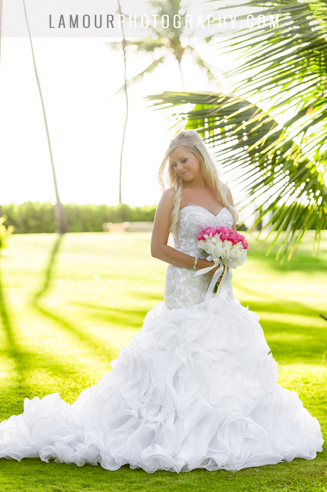 Lanikuhonua Wedding Photography by L'Amour Photo and Video of bride at sunset