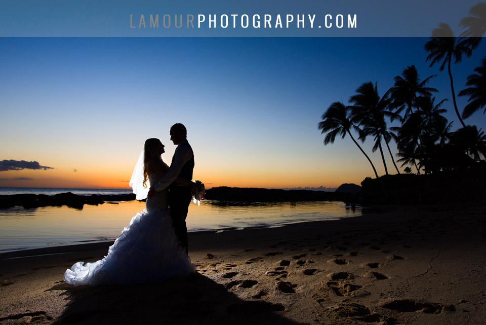 Hawaii Wedding photography at Lanikuhoua on Oahu during sunset