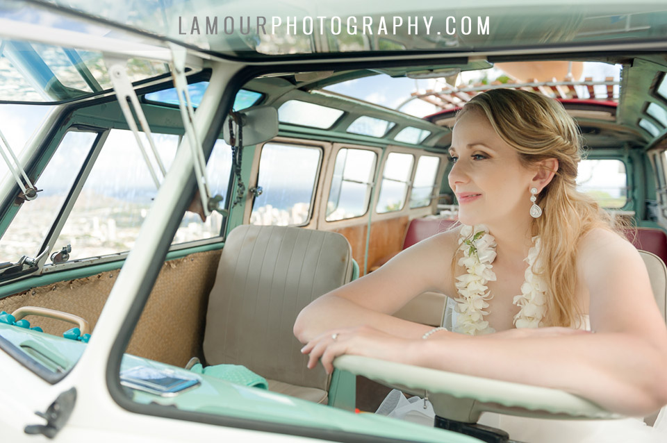 Hawaii wedding photos with cute car on Oahu