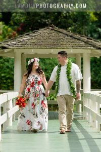 hawaii wedding dress with hawaiian print floral design