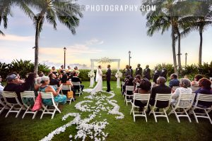 Sunset wedding photos in Waikiki Hawaii