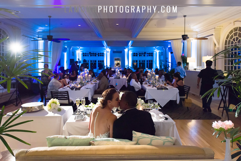 wedding color scheme in hawaii with black and blue details