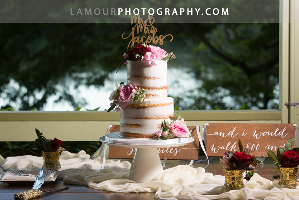 Naked wedding cake for Hawaii wedding reception at Kualoa Ranch