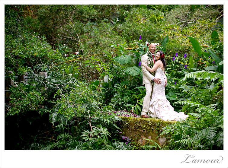 Oahu Wedding Photographer at Haiku Gardens and Tiki's Grill and Bar