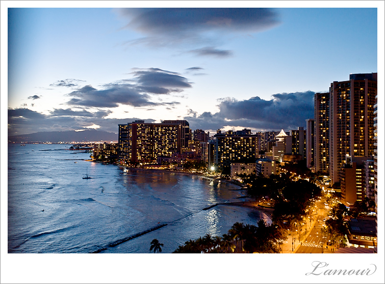 Waikiki wedding Photography View from Coconut Club Room at Tiki's Grill and Bar