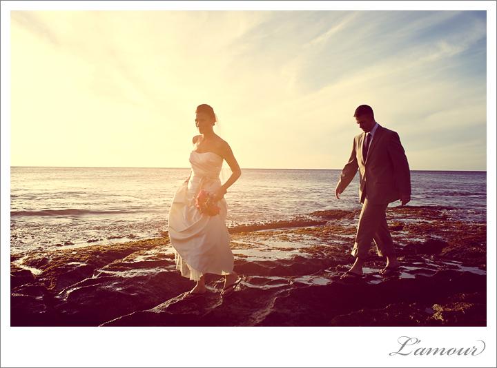 Sunset wedding on Oahu by Hawaii Wedding Photographer Lamour photography