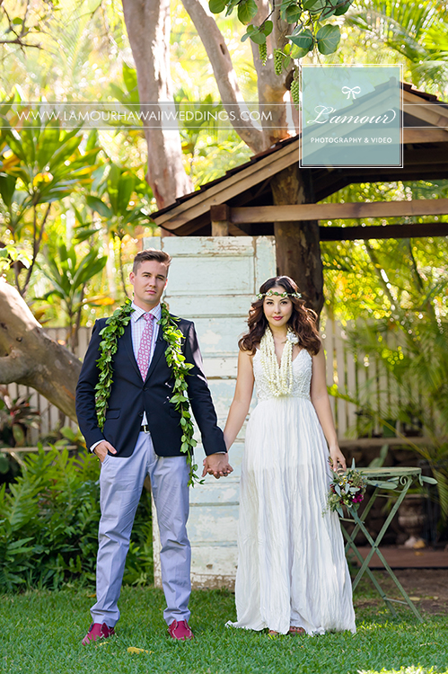 Wendy Leslie and Eric Mansperger of Lamour Photography share their wedding renewal in Hawaii
