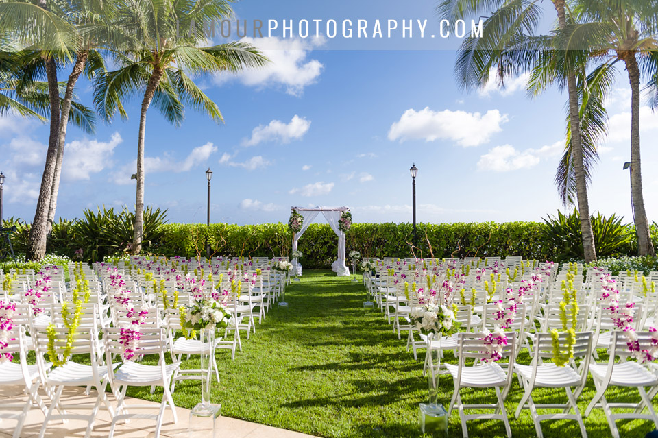 Moana Surfrider Waikiki Hawaii wedding photography and video by L'Amour