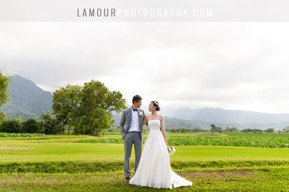 Wedding photography in Hawaii of Chinese destination wedding couple in Hawaii