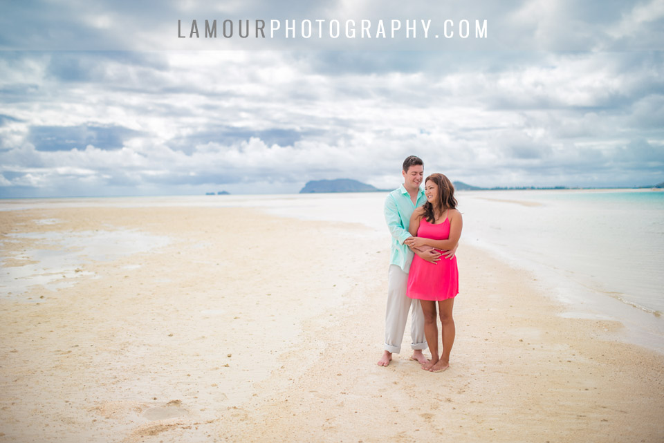 Wedding portraits and engagement photos at the beach in Hawaii