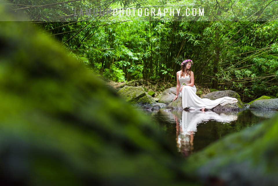 wedding photography in Hawaii of bride on wedding day in the jungle on Oahu