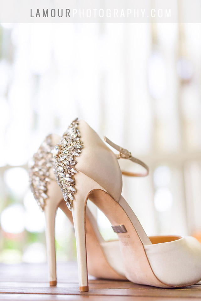wedding photography by lamour of hawaii wedding details of shoes at turtle Bay on oahu