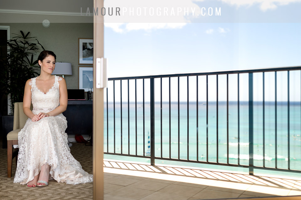 beautiful destination wedding in hawaii on oahu
