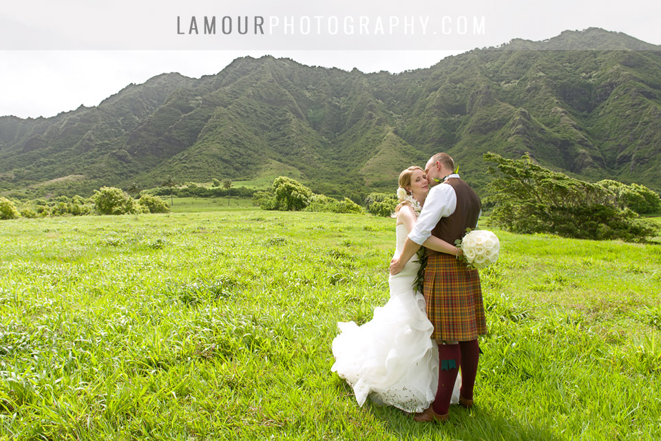 scottish couple gets married on Oahu Hawaii at Kualoa Ranch