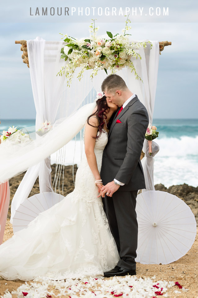 hawaii beach wedding ceremony at turtle bay resort