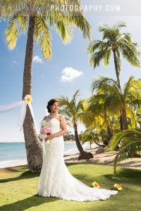 hawaii wedding photography for beach wedding on oahu