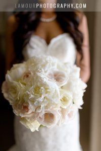 white and light pink wedding bouquet in hawaii