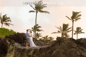 sunset photos of bride and groom in maui on wedding day