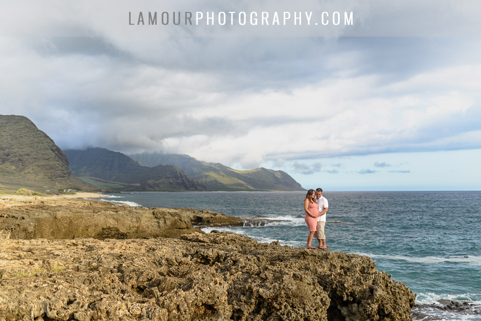beach maternity photos by L'amour