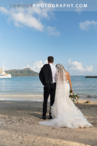 Hilton Hawaiian Village wedding photos with Diamond Head in the backgroun