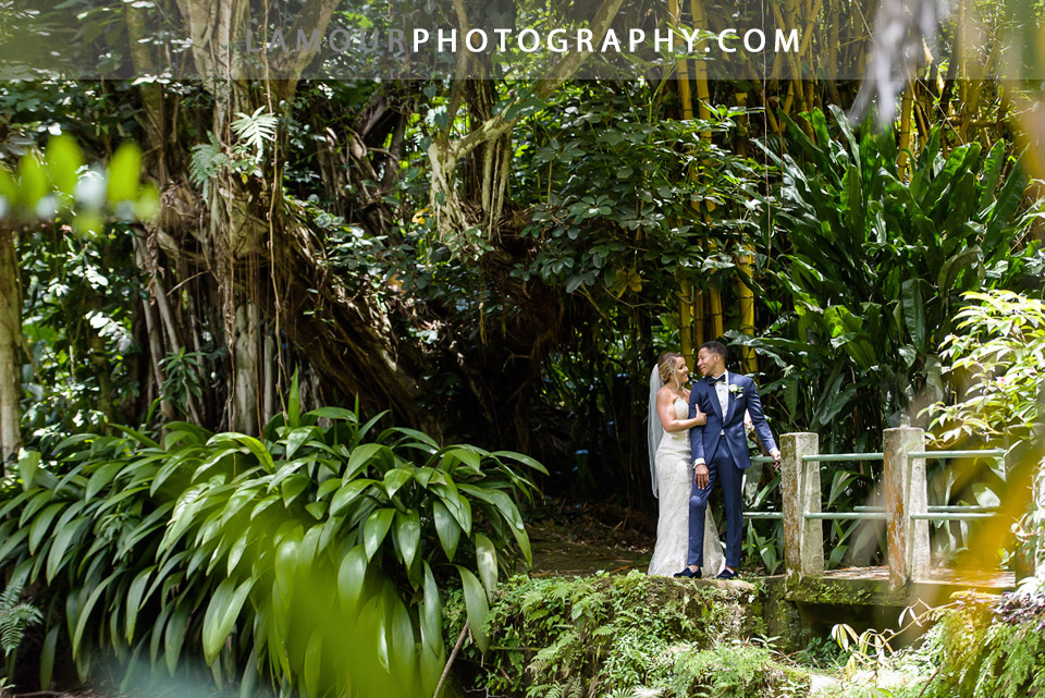 lush green jungle wedding photos in Hawaii